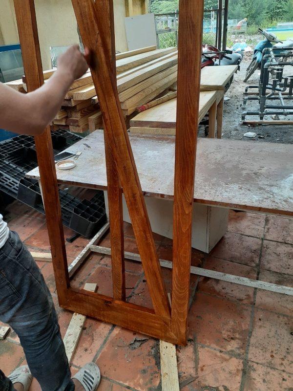 Hướng dẫn thi công stain màu và hoàn thiện gỗ 3