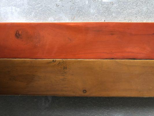Phun stain màu trực tiếp lên gỗ